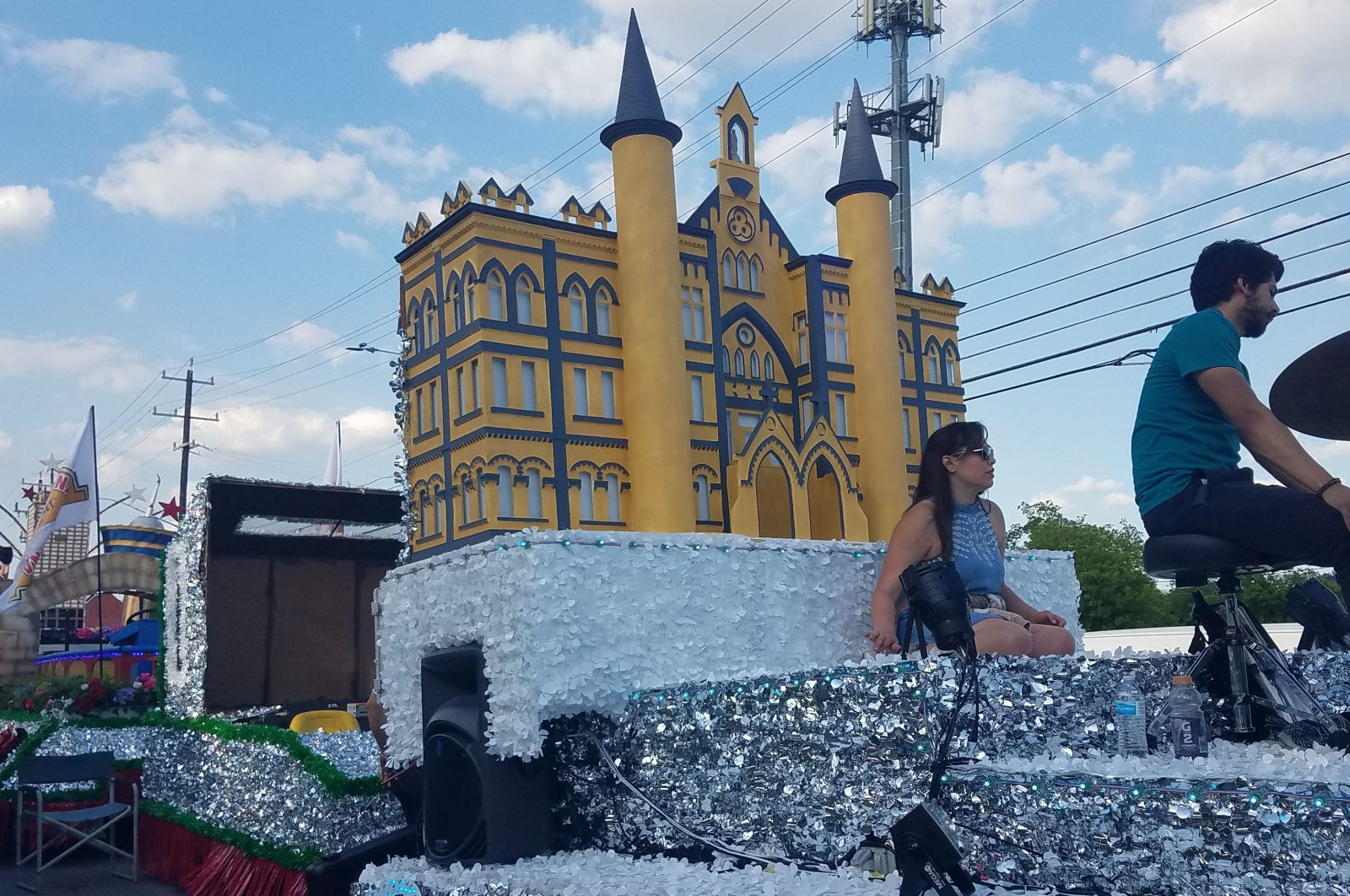 2018 OLLU Float Building Daytime